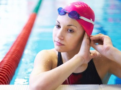 Kính bơi cho người cận thị có tốt như lời đồn?
