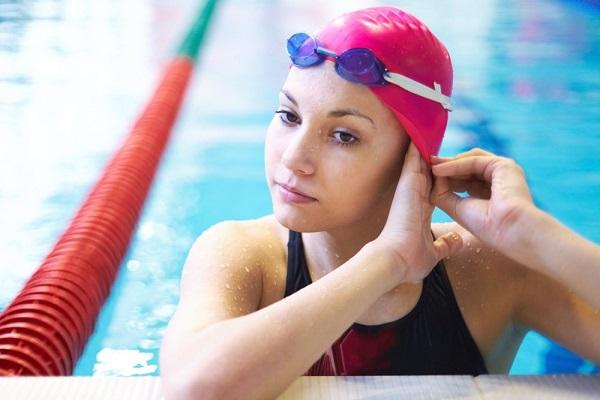 Kính bơi cho người cận thị có tốt như lời đồn