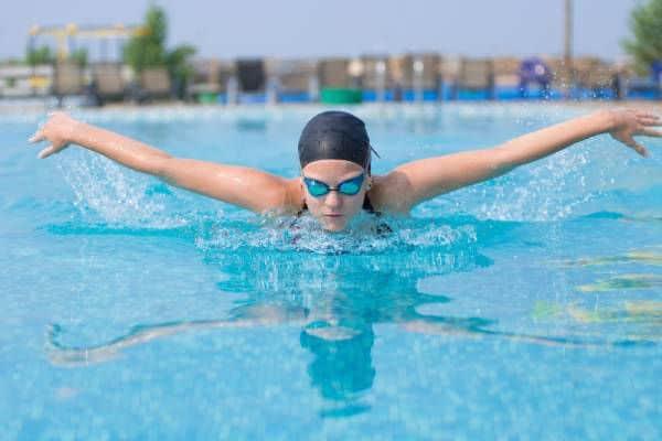 Kinh nghiệm chọn kính bơi cận chính hãng bạn cần bỏ túi
